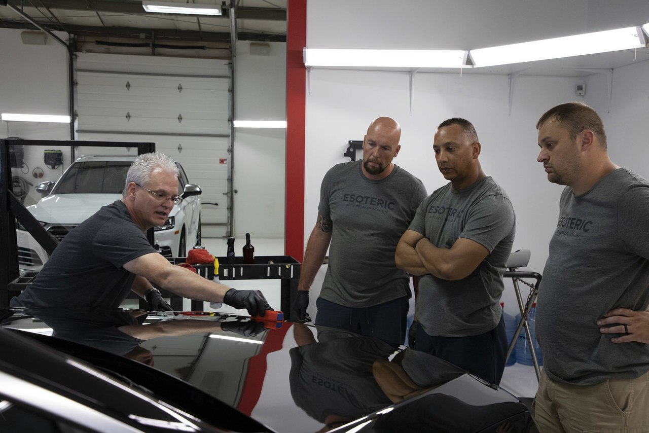 Instruction on how to correctly apply ceramic coatings.